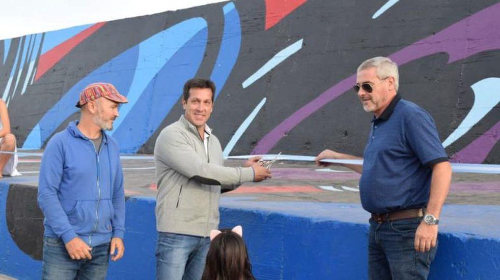 """Puerto Quequén presentó la renovación del """"Mural Reflejos"""""""