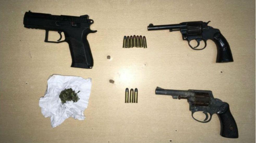 Secuestro de armas y droga en varios allanamientos este fin de semana