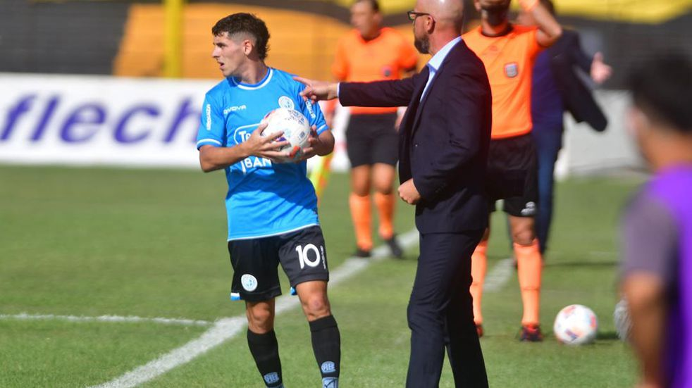 Alejandro Orfila tambalea como técnico de Belgrano