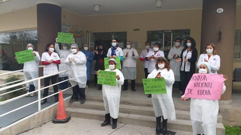Trabajadores del Centro Regional de Hemoterapia de Salta reclaman mejores condiciones laborales