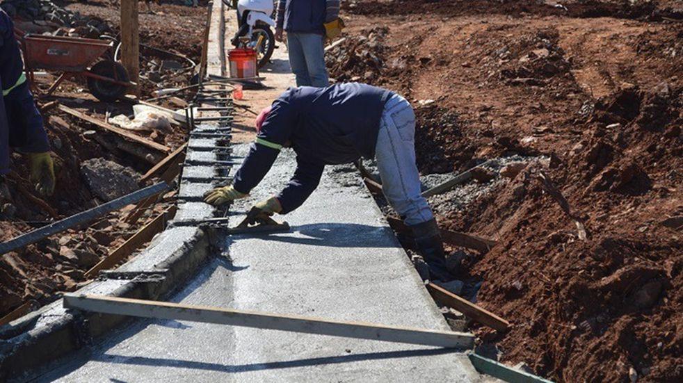 La chacra 96 de la ciudad de Posadas se halla en obras de cordón cuneta