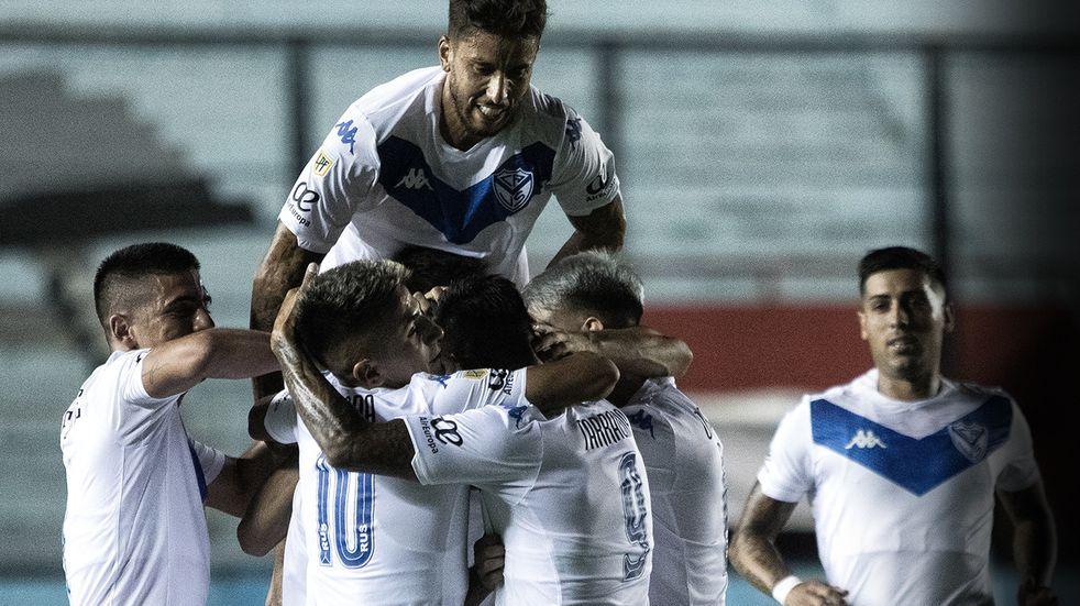 Vélez le ganó con comodidad a Camioneros y avanzó a la próxima fase de la Copa Argentina