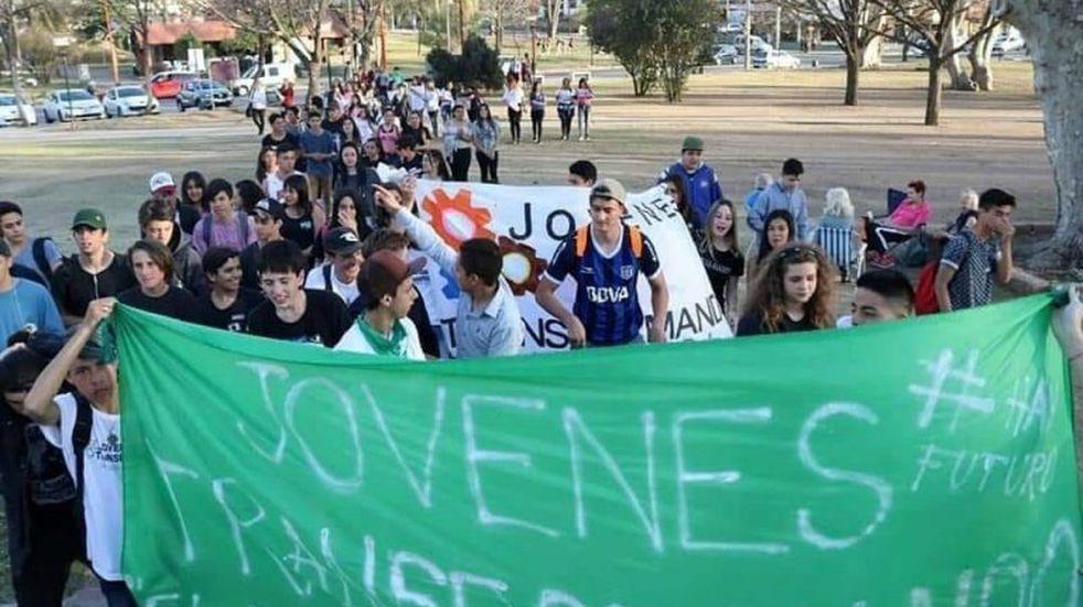 """""""Los jóvenes queremos votar"""": exigen que se actualicen los padrones en Carlos Paz"""