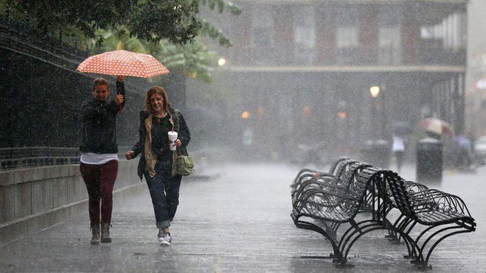Alerta por fuertes lluvias para la tarde del martes en Viedma