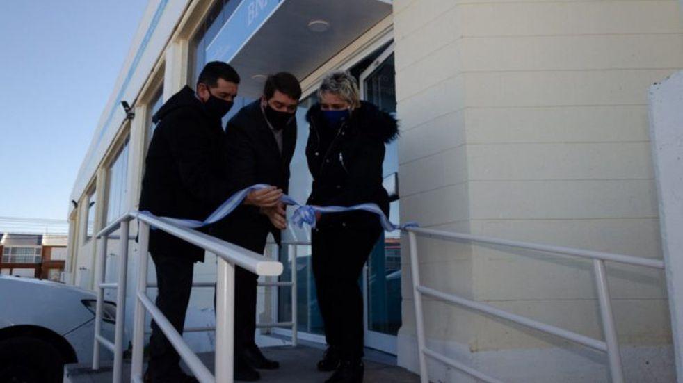 Inauguran cajero automático del Banco Nación en Playa Unión