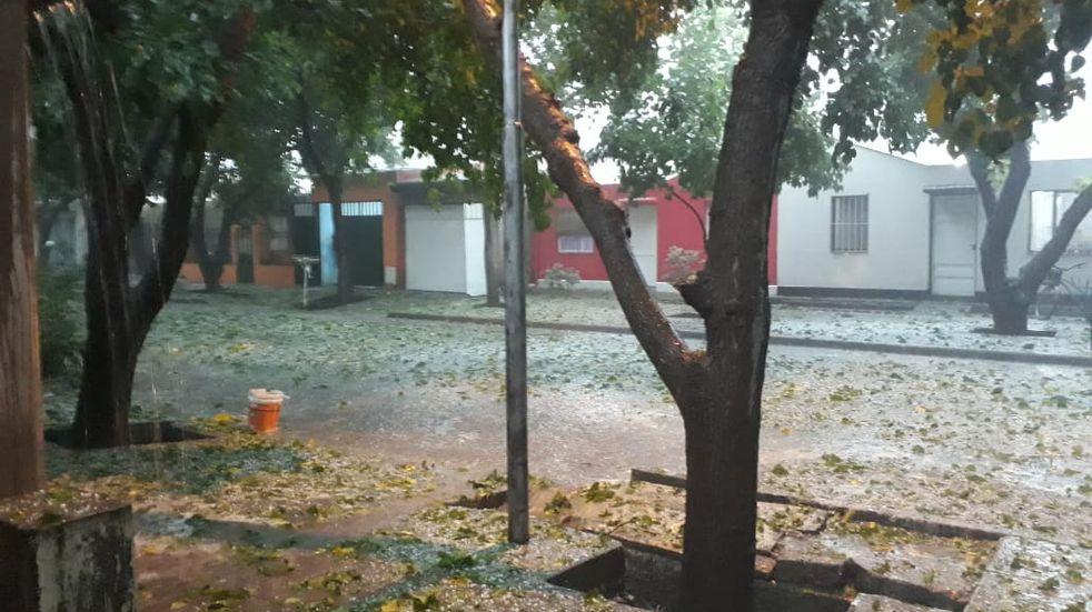 Importante tormenta de viento, lluvia y granizo en General Alvear