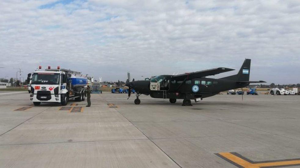 Este jueves vuelven aviones de la Armada y Fuerza Aérea a ensayar en Rosario