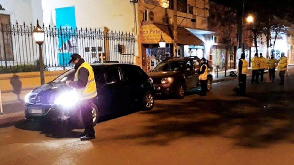 El subdirector de Tránsito Municipal fue atropellado por un auto que se fugó