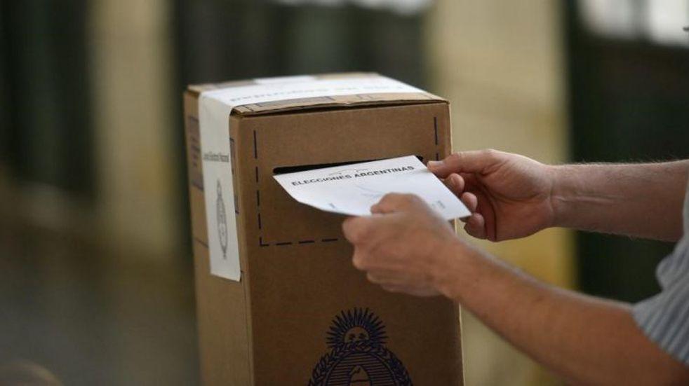 Comenzó el recuento definitivo de votos, que durará entre 15 y 20 días