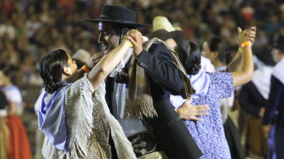 El día del bailarín folclórico se festejará en Maipú