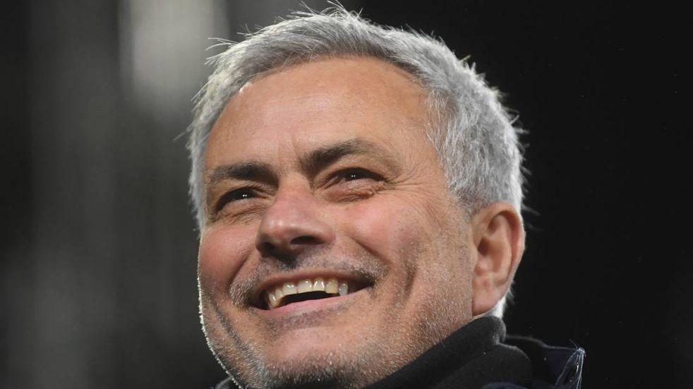José Mourinho llegó a Roma y desató la locura de los hinchas