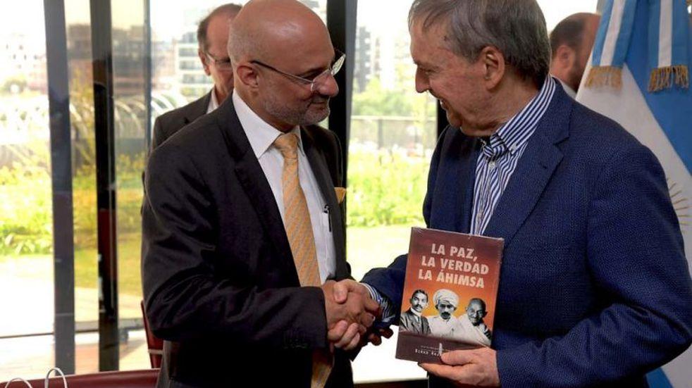 El embajador de la India visitó Córdoba y fue recibido por Schiaretti