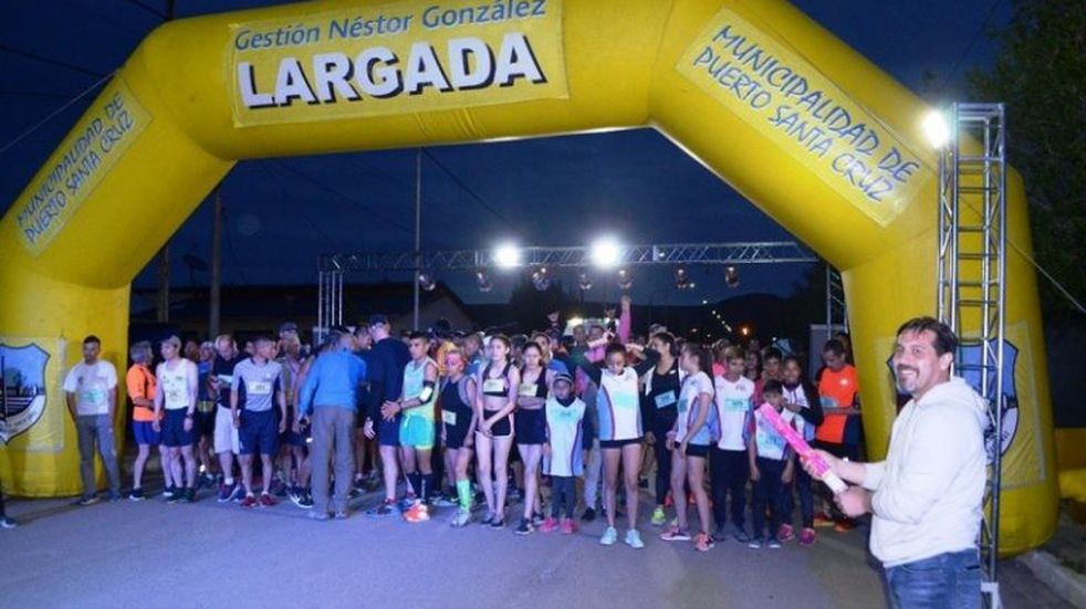Puerto Santa Cruz : se realizó II Running Nocturno y Master Class de Zumba