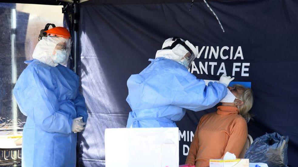 Santa Fe sumó 817 casos de coronavirus y ponen puntos fijos de test en Rosario