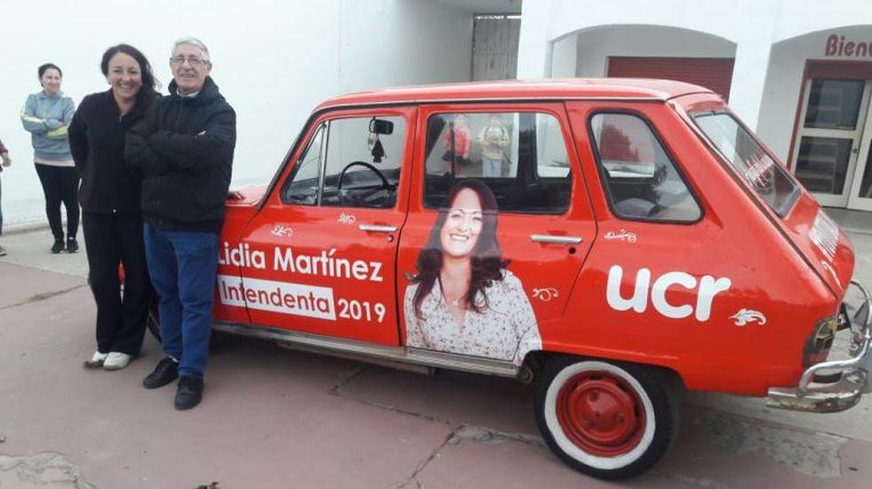 """En Arroyito una """"renoleta"""" colorada será un móvil de campaña"""