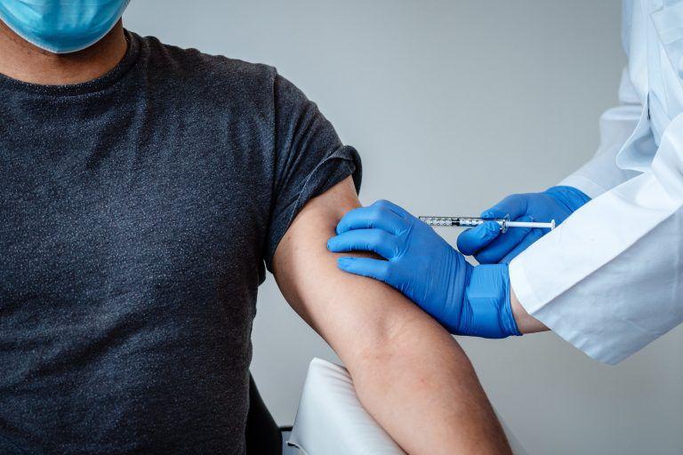 Vacuna COVID-19. (Foto: EFE/EPA/BIONTECH)