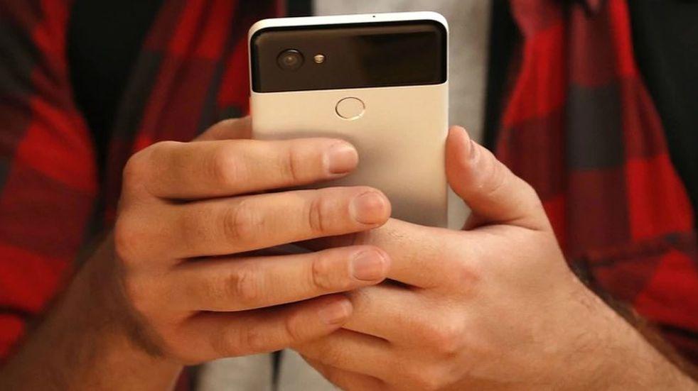 Condenan a una empresa de telefonía y al fabricante por vender un celular defectuoso