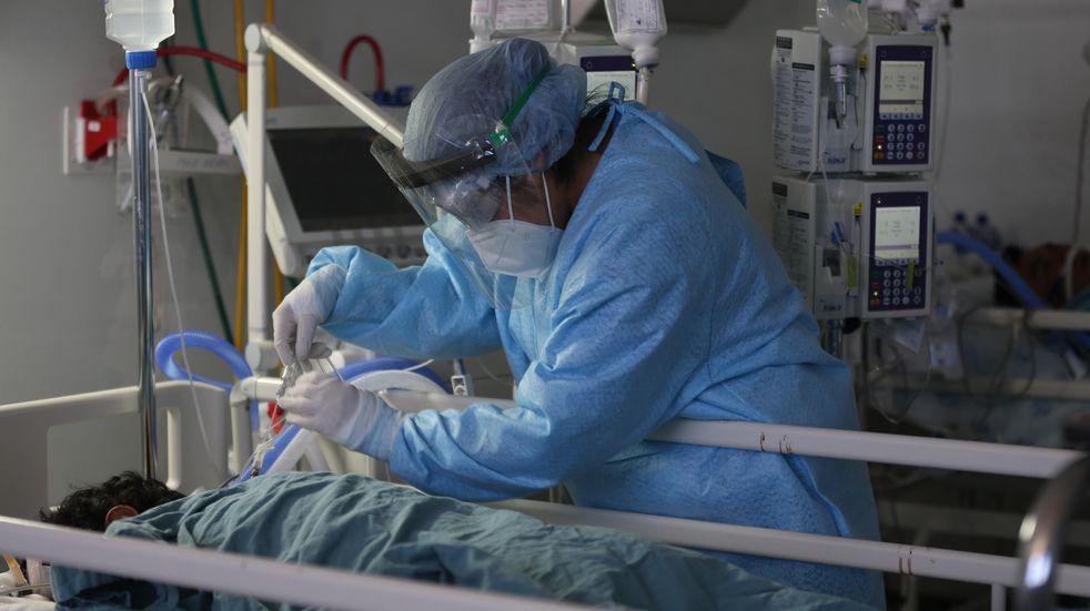 Médicos de otros estados llegan a Ciudad de México para apoyar contra Covid-19