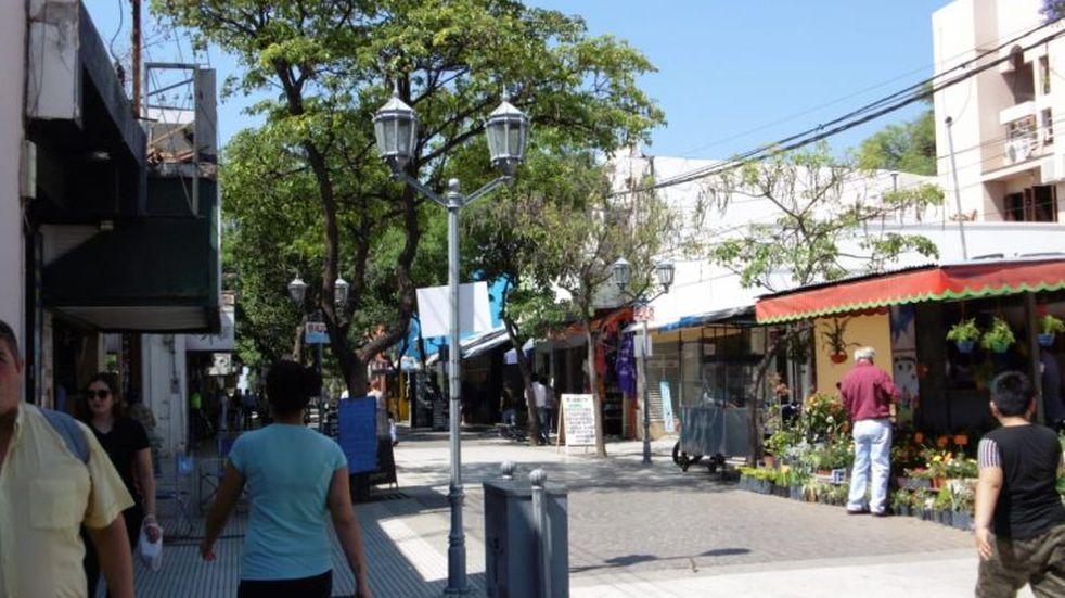 Extendieron el horario de circulación y el cierre de comercios y gastronómicos en Catamarca