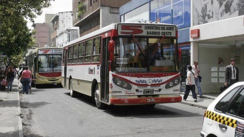 Los empresarios del Transporte buscan ayuda económica para pagar los salarios de los choferes