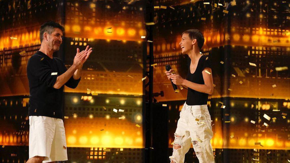 """Nightbirde: la paciente de cáncer que emocionó a todos y recibió el """"botón dorado"""" en America's Got Talent"""