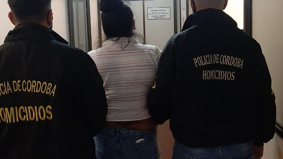 La sospechosa fue detenida en las inmediaciones de donde ocurrió el crimen, en la zona este de la capital cordobesa (La Voz).