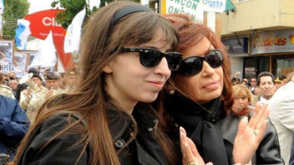 """""""No hay fecha para que vuelva al país"""", aseguró el abogado de Florencia Kirchner"""