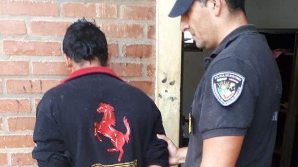 Adolescente muere de una puñalada en Posadas y hay un hombre detenido