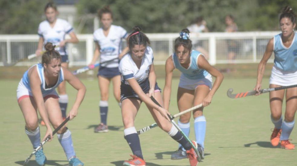 Tres equipos puntaltenses comienzan el Torneo Apertura de Hockey de Damas