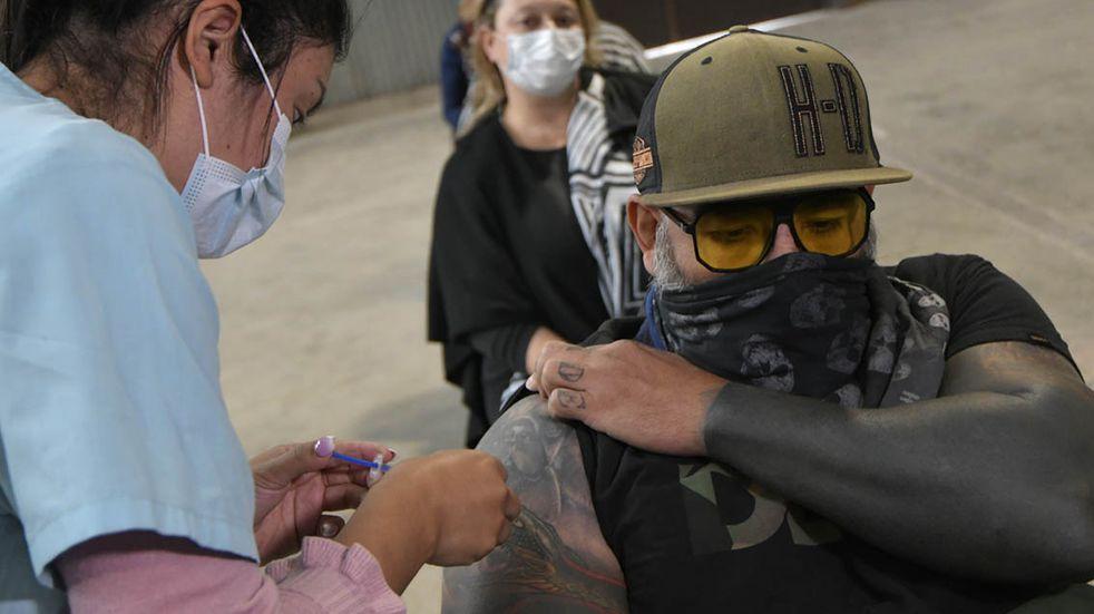 Coronavirus en Mendoza: abren la inscripción para la vacunación de mayores de 35 años con comorbilidades
