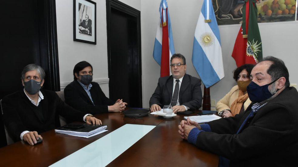 Francolini anunció ayudas fiscales para comercios afectados por la pandemia