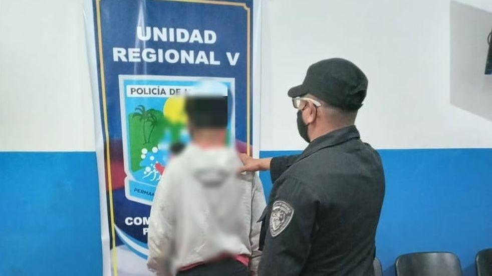 Iguazú: arrojó piedras al vehículo de la pareja de su vecina y fue detenido