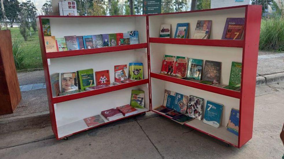 Los fines de semana puede visitarse la biblioteca móvil del Parque del Bicentenario