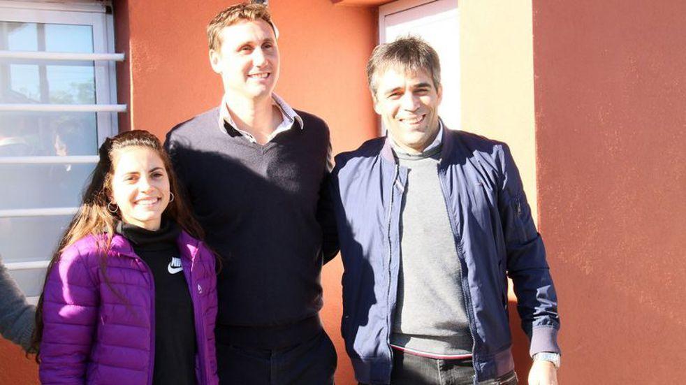 """López entregó las llaves de nuevas casas en el """"Barrio Los Tilos V"""""""