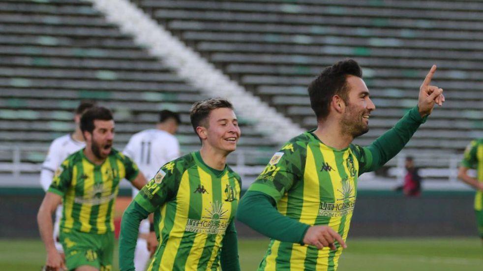 Ganó, gustó y goleó: Aldosvi superó por 3 a 0 a Colón de Santa Fe