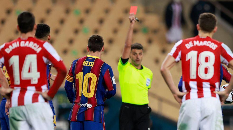 Messi fue expulsado por primera vez con la camiseta del Barcelona
