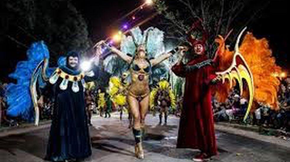 Este fin de semana Carnavales del Río en Santa Rosa