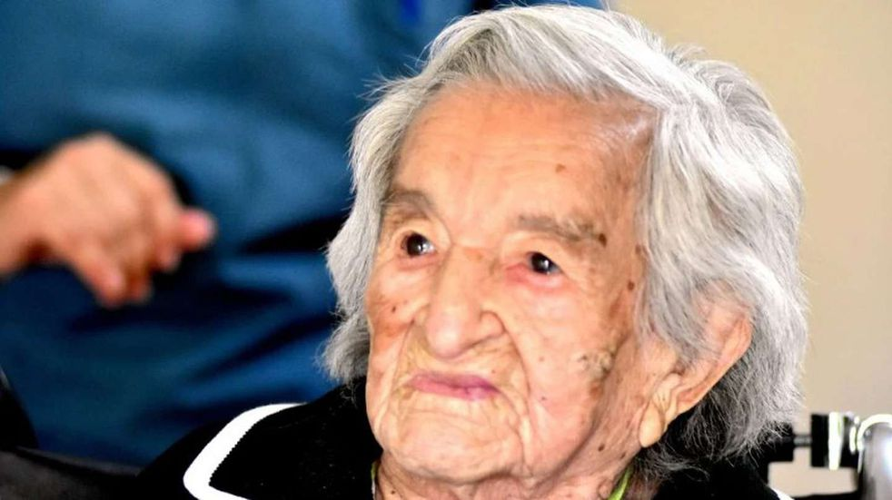 Una abuela de 113 años venció al coronavirus y ahora recibió su vacuna en Mar del Plata