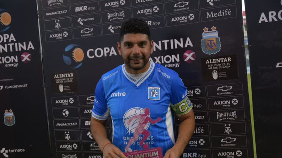Estudiantes goza: Néstor Ortigoza renovó su contrato