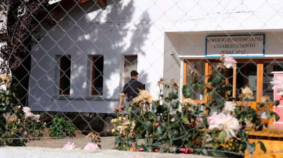 Empleado penitenciario perdió varios dientes al enfrentarse con la policía en una fiesta clandestina