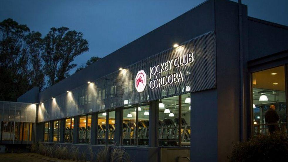 Empleados del Jockey Club se movilizan en contra de los recortes salariales