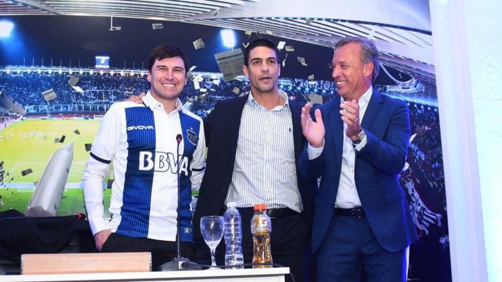 El Cacique Medina se pone la camiseta para el primer clásico con Belgrano