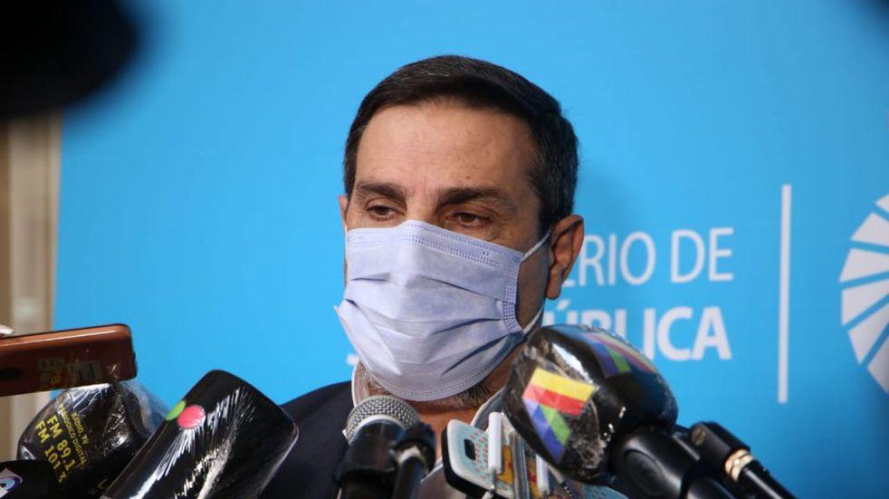 """""""Aspiramos a vacunar al grupo etario de los 30 años en dos o tres semanas"""", dijo Medina Ruiz"""