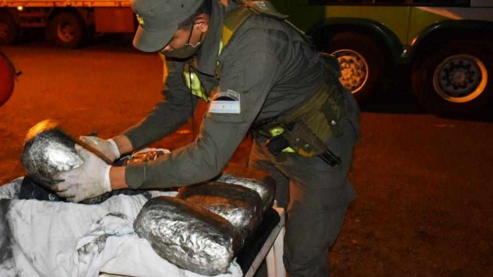 Partió de Puerto Iguazú con seis kilogramos de marihuana en su valija