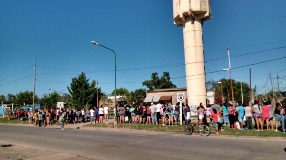Vecinos de Cabín 9 marchan para pedir agua potable (Yolanda Ruiz)