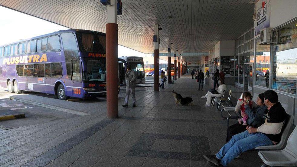 Otro golpe al bolsillo en Córdoba: autorizan aumento del transporte