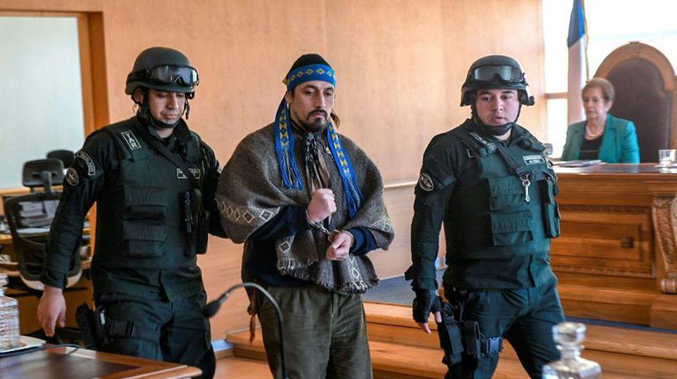 Encontraron culpable a Jones Huala en Chile por el incendio y tenencia de armas en Chile