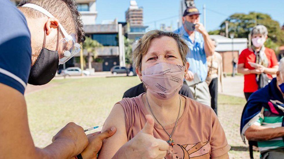 A partir de hoy, inmunizan a productores de las Ferias Francas