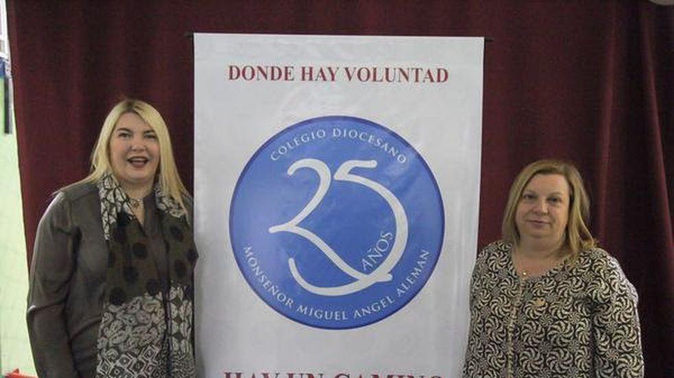 La gobernadora participó del 25 aniversario del Colegio Monseñor Alemán