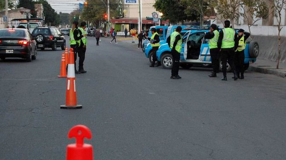 La policia secuestró más de 50 vehículos en controles de tránsito